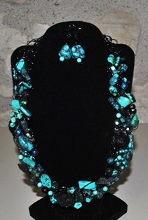 Bette Robinson Necklace and Earrings Item34 139 web